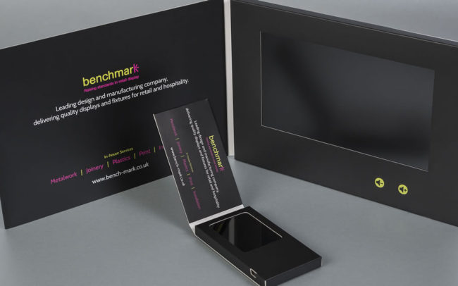 Matching video brochures: Business card with 2.4 inch screen and A5 with 7 inch screen